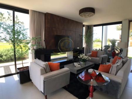 Casa em Condomínio 4 dormitórios em Capão da Canoa | Ref.: 10737