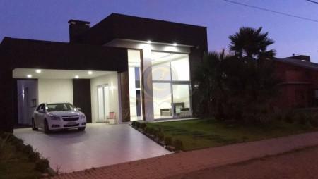 Casa em Condomínio 4 dormitórios em Capão da Canoa | Ref.: 11230