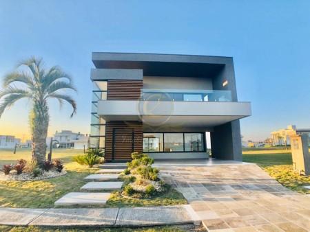 Casa em Condomínio 4 dormitórios em Capão da Canoa | Ref.: 11355
