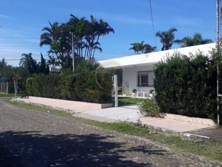 Casa 5 dormitórios em XangriLá | Ref.: 14357