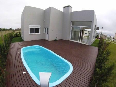 Casa em Condomínio 4 dormitórios em Capão da Canoa | Ref.: 8334