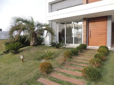 Casa em Condomínio 3 dormitórios em Capão da Canoa | Ref.: 9142